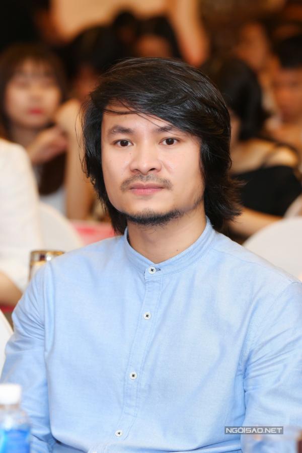 Tổng đạo diễn Hoàng Nhật Nam cho biết đêm chung khảo có chủ đề Hương, thể hiện hình ảnh các loài hoa trẻ trung, tinh khôi nhưng vẫn quyến rũ,