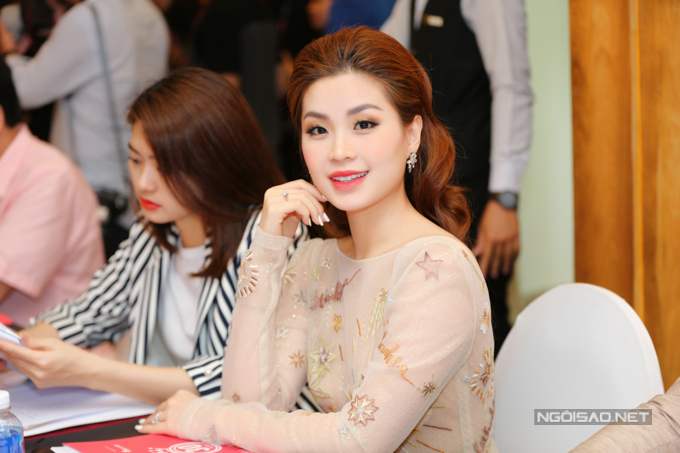 Đỗ Mỹ Linh, Huyền My lộng lẫy dự họp báo - 9