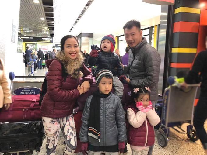 Vợ chồng Ốc Thanh Vân xoay sở canh chừng 3 con khi du lịch Australia - 6