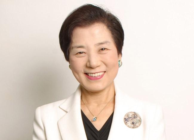 Bà Yoshiko Shinohara từng làm thư ký chocác công ty tại Anhvà Australia trước khi khởi nghiệp. Ảnh: Entrepreneur.