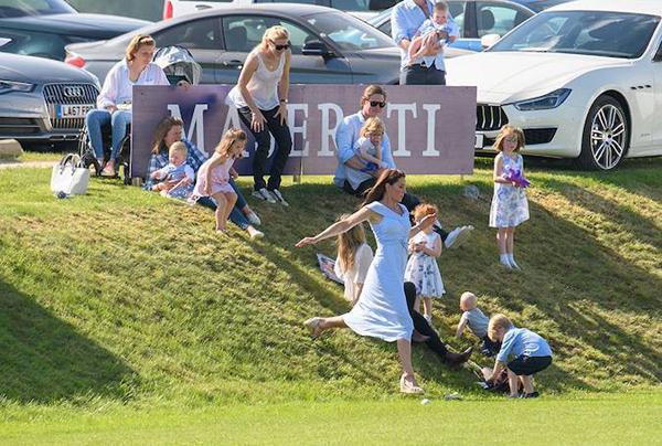 Những quy tắc vợ chồng Kate áp dụng nuôi dạy con