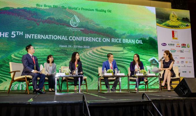 Hoa hậu Jennifer Phạm ưu tiên dùng dầu gạo trong chế biến món ăn - ảnh 5