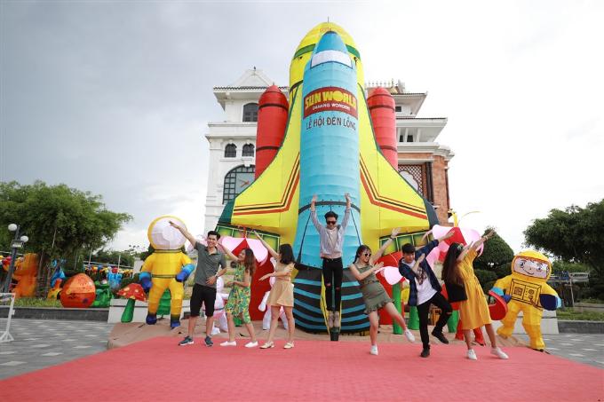 Xuân Bắc, Tự Long xuất hiện trong đêm khai mạc lễ hội đèn lồng Đà Nẵng - ảnh 10