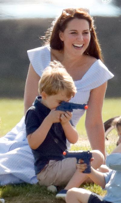 Những quy tắc vợ chồng Kate áp dụng nuôi dạy con - 1