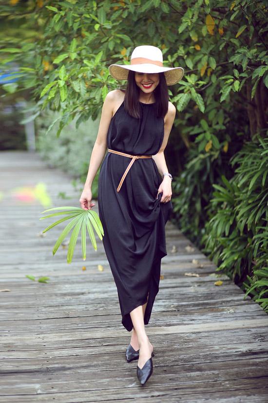 Riêng Dương Mỹ Linh không còn hoạt động showbiz như trước. Cô đã sang Mỹ định cư và chuyển hướng kinh doanh mỹ phẩm.