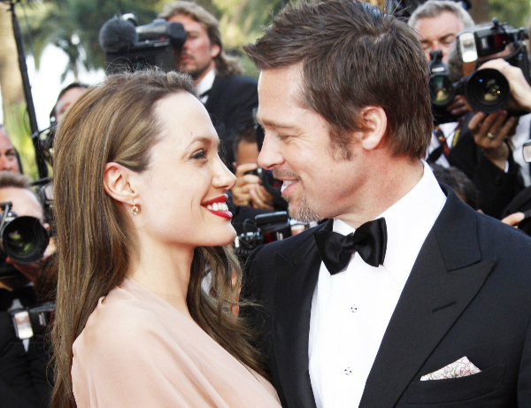 Cặp đôi vàng của Hollywood ly hôn sau 12 năm chung sống khiến không ít khán giả tiếc nuối.