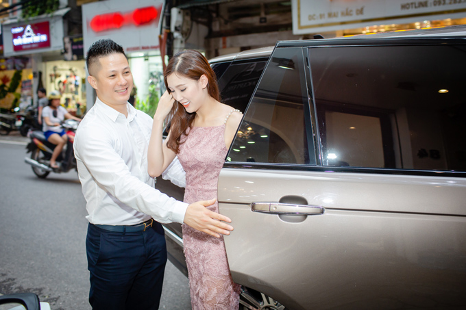 Ong xa doanh nhan thap tung Phi Thuy Linh di thu do