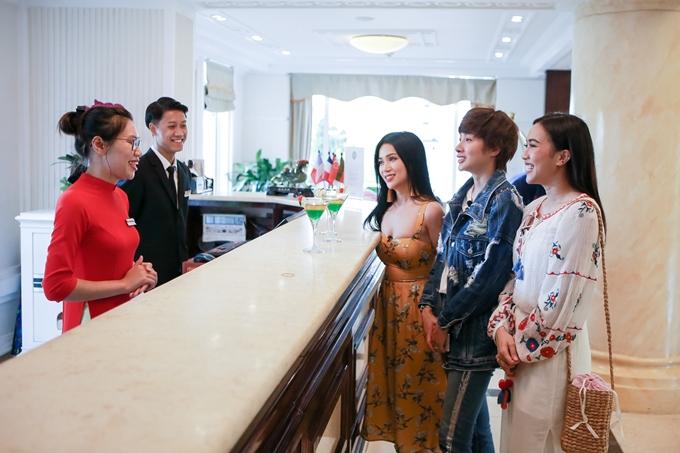 Ba diễn viên Diệu Nhi, Khả Như, Sỹ Thanh (từ trái qua) vừa có chuyến ghi hình tại tỉnh Ninh Bình cho chương trình Việt Nam tươi đẹp.