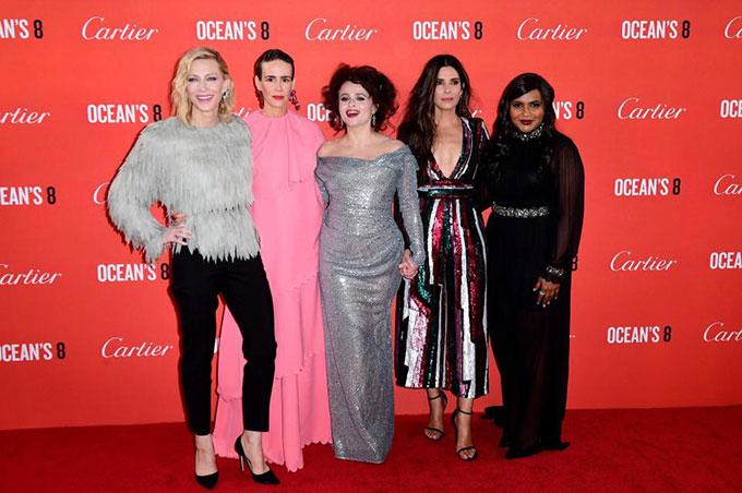 Bộ phim hài hành động Oceans 8 quy tụ dàn nữ diễn viên đình đám của Hollywood. Phim công chiếu tại Bắc Mỹ từ ngày 8/6 và Việt Nam từ ngày 22/6.