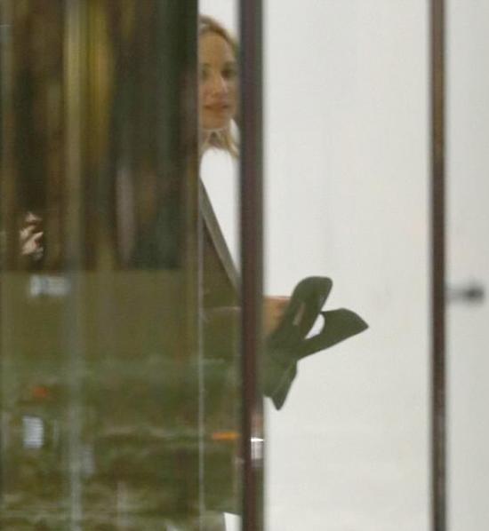 Jennifer Lawrence chỉ vừa công khai hẹn hò anh chàng mới vào đầu tháng 6.