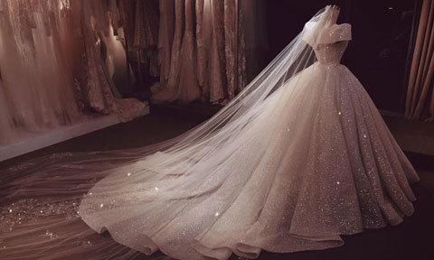 Nhà thiết kế hé lộ váy cưới của 'hot boy chuyển giới' trước giờ G