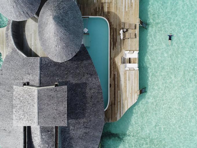 Quang Vinh lịm tim bởi khu resort nổi trên mặt biển ở Maldives - 1