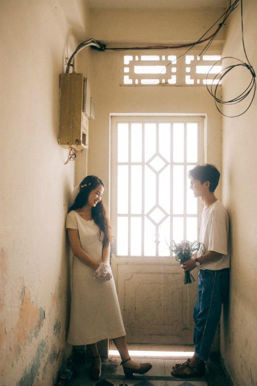 Ảnh cưới chụp tại chung cư cũ chất như phim Hồng Kông - 4