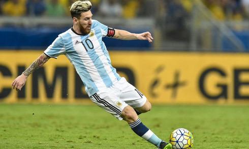 Lionel Messi: Cậu bé còi xương giờ kiếm gần 650.000 USD/tuần