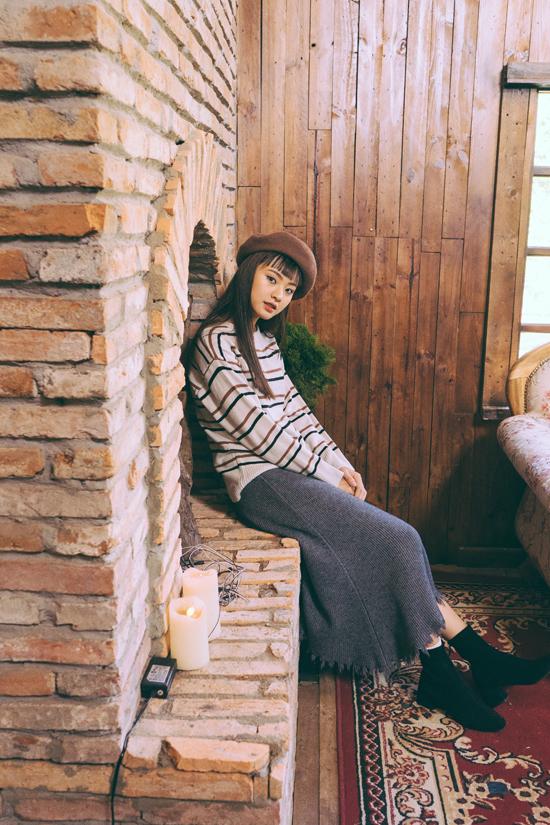 Nguyễn Lê, 19 tuổi, hiện đang theo học tại Khoa Luật Trường Đại họcSài Gòn.Ngoài sở thích đọc sách và tìm hiểu xã hội, côcòn có niềm đam mê đặc biệt với nhiếp ảnh và thời trang.