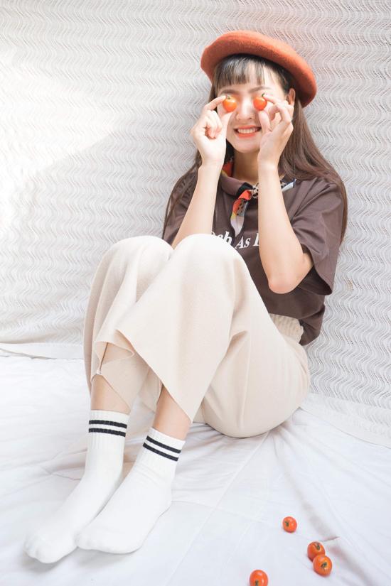 Bên cạnh thời gian đi học để thực hiện ước mơ trở thành một kiểm sát viên, Lê Nguyễn vẫn cố gắng dành thời gian để theo đuổi ước mơ trở thành một người mẫu ảnh, diễn viên chuyên nghiệp.