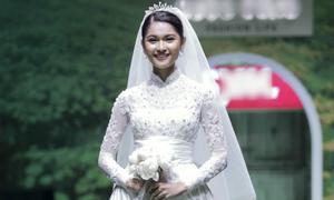 Váy cưới phong cách hoàng gia cho cô dâu Việt