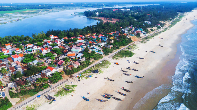 Ngôi làng bích họa đầu tiên ở Việt Nam \'mặc thêm áo mới\'