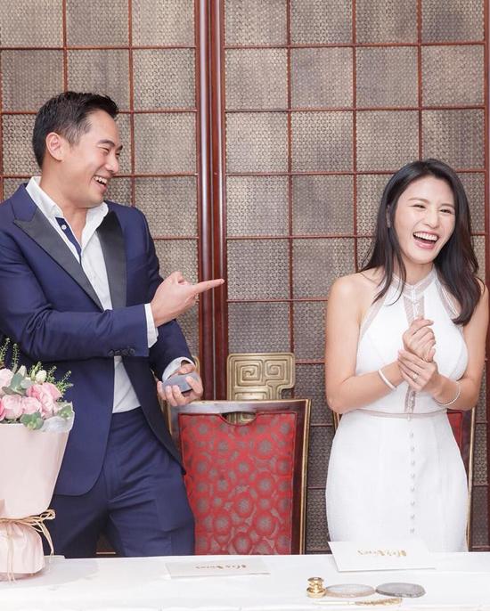 Những khoảnh khắc rạng rỡ hạnh phúc của cặp đôi mới cưới.