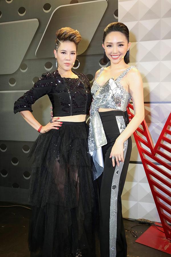 Thu Phuong dieu chinh cach an noi voi Toc Tien Noo Phuoc Thinh tai The Voice