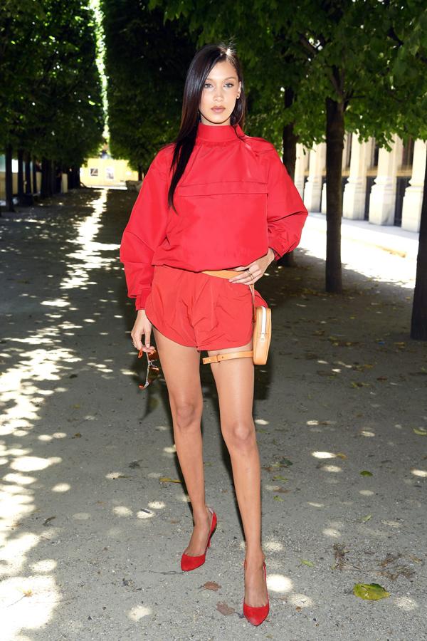 Dàn sao diện đồ bảy sắc cầu vồng ở show Louis Vuitton - ảnh 1