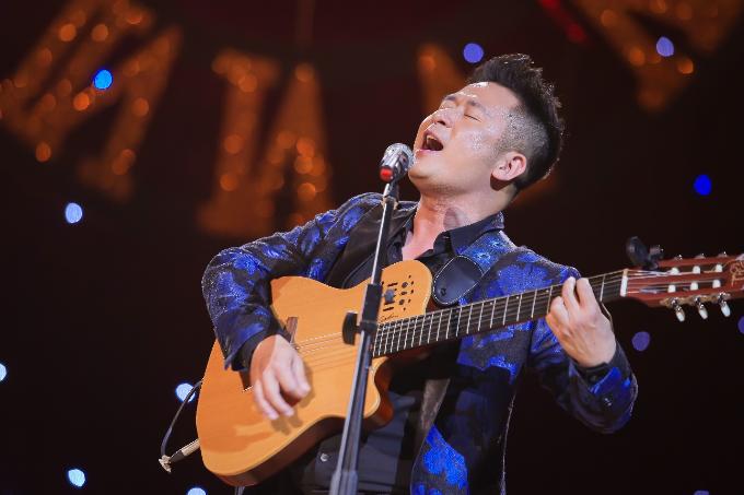 Dinh Hien Anh bieu dien trong liveshow cua Bang Kieu