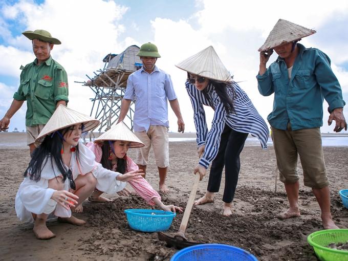 Diệu Nhi, Sĩ Thanh, Yaya Trương Nhi đi chân đất cào nghêu - ảnh 3