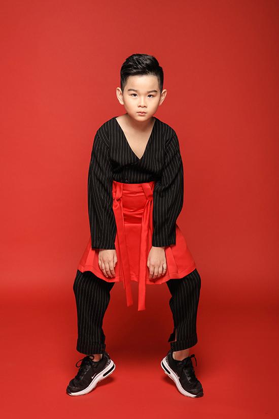 Huỳnh Phong Vinh được xem là một ngôi sao của nhóm mẫu nhí Pink Kids, em thường xuyên góp mặt trong các hoạt động sôi nổi của câu lạc bộ và các fashion show.