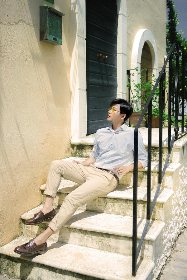 Phong cách cho các chàng yêu vẻ đẹp thanh lịch và ảnh hưởng phong cách Hàn Quốc.