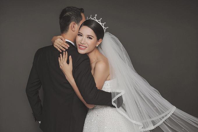 Con gái Kiến Lửađã hơn 2 tuổi nhưng cặp đôi vẫn chưa tổ chức đám cưới bởi không chọn được thời điểm thích hợp. Louis Trần sinh sống và làm việc ở Mỹ trong khi hai mẹ con Trang Trần lại ở Việt Nam.