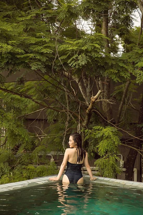 Sau nghỉ ngắn ngày, Hương Tràm cho biết cô sẽ bắt tay vào dự án mới. Cuối tháng 6, nữ ca sĩ sẽgiới thiệu tới khán giả một ca khúc ballad.