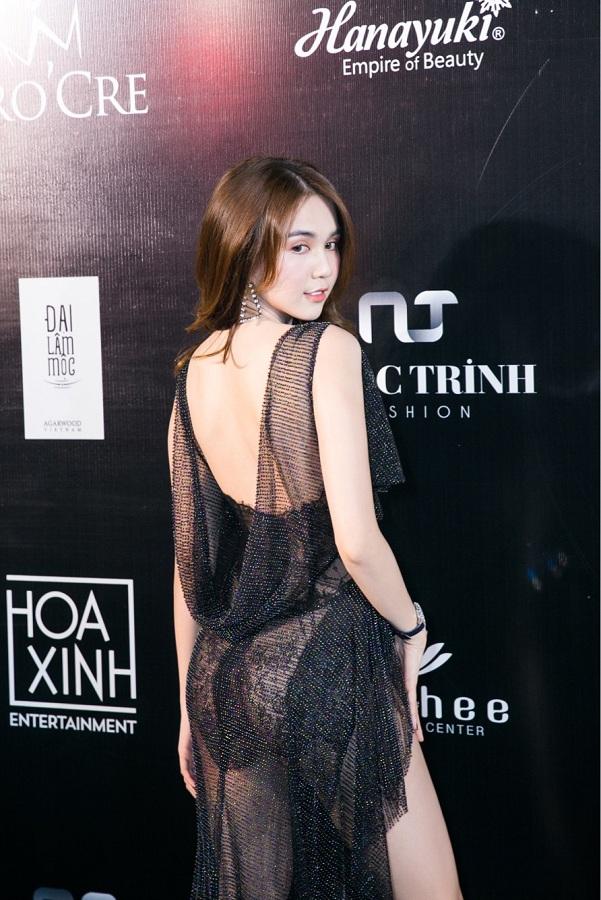 Dan my nhan Viet toa sang trong show dien tien ty cua Do Long