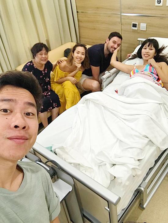 Sieu mau Ha Anh sinh con gai nang 44 kg