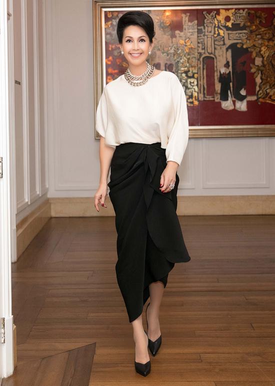 Sau dấu ấn của Tăng Thanh Hà trên thảm đỏ show Đỗ Mạnh Cường, nhiều người đẹp Việt cũng chọn lựa set đồ giống cô để chưng diện.