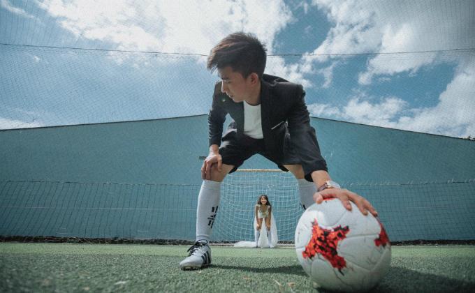 Ảnh cưới mùa World Cup khiến fan túc cầu đứng ngồi không yên - 13