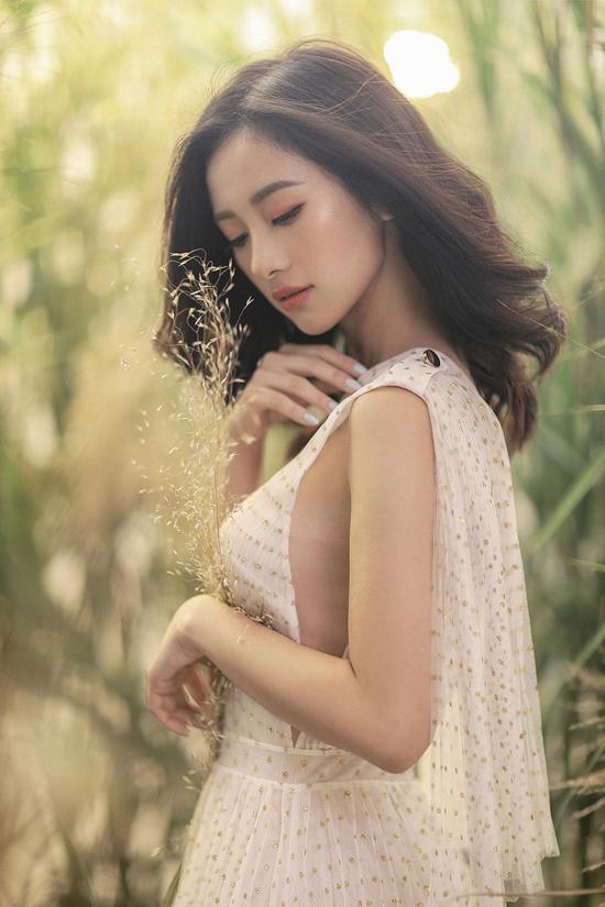 Jun Vũ diện váy ren tôn vẻ đẹp mảnh mai - 6