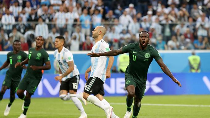 Mose mừng bàn gỡ hoà 1-1 cho Nigeria. Ảnh: FIFA.