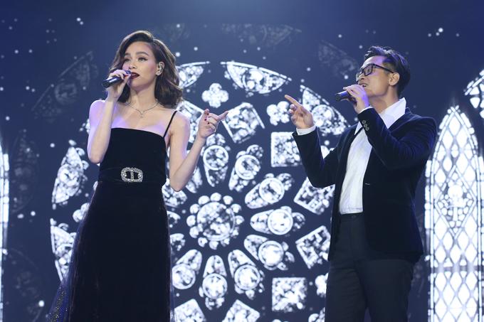 Kim Ly dua Ho Ngoc Ha di du le trao giai thoi trang