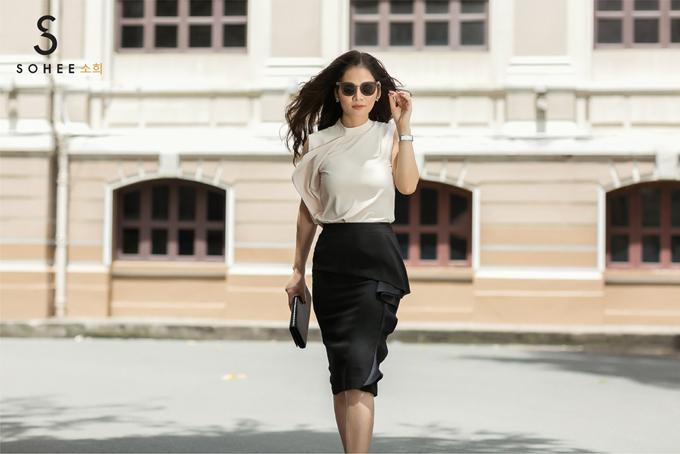 Bộ sưu tập thời trang mới của Sohee là ý tưởng thiết kế của nữ doanh nhân. Các mẫu váy đã được bày bán trên hệ thống 18 showroom của thương hiệu ở miền Bắc. Khách hàng có thể mua trực tiếp tại cửa hàng hoặc đặt mua online trên website, Fanpage của hãng.