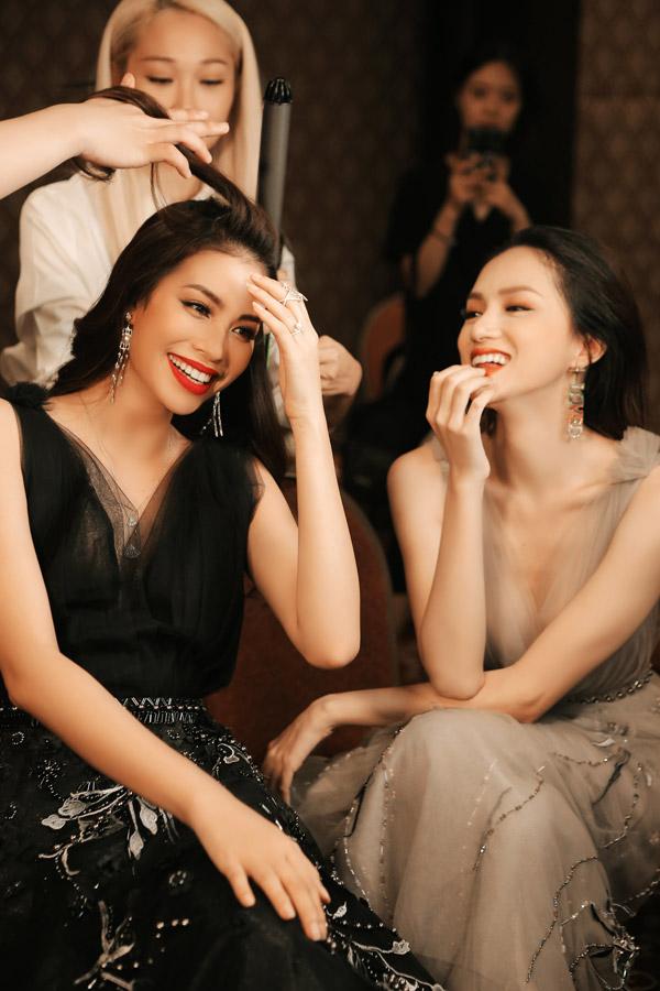 Huong Giang Toi khong biet khi lam mau thi phai tu ra hoi vi tri de dien