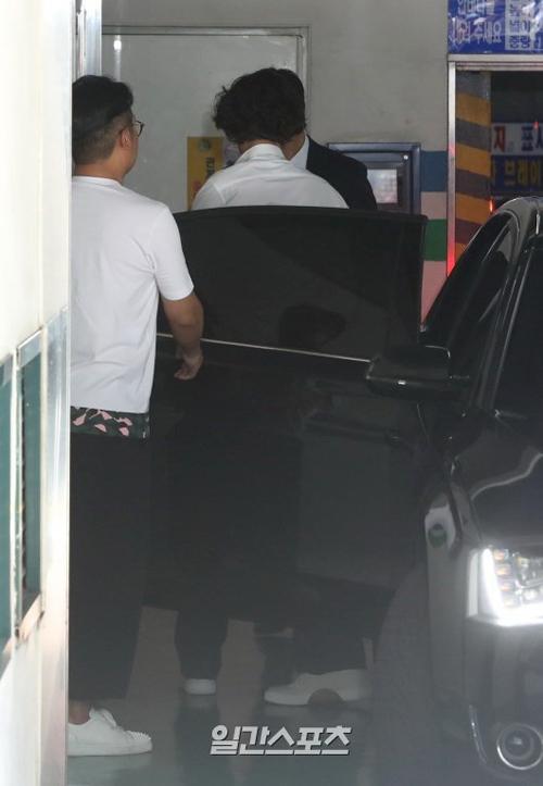 Won Bin không gặp gỡ để trả lời phỏng vấn báo chí.