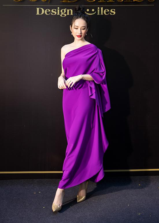 Angela Phuong Trinh deo trang suc 1 ty di su kien
