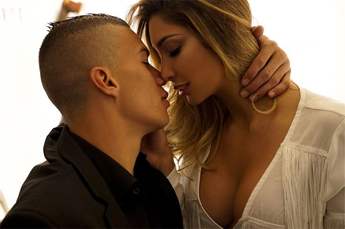 Vợ chồng Uribe thường xuyên thể hiện tình yêu dành cho nhau và chia sẻ những hình ảnh tình cảm trên trang cá nhân.