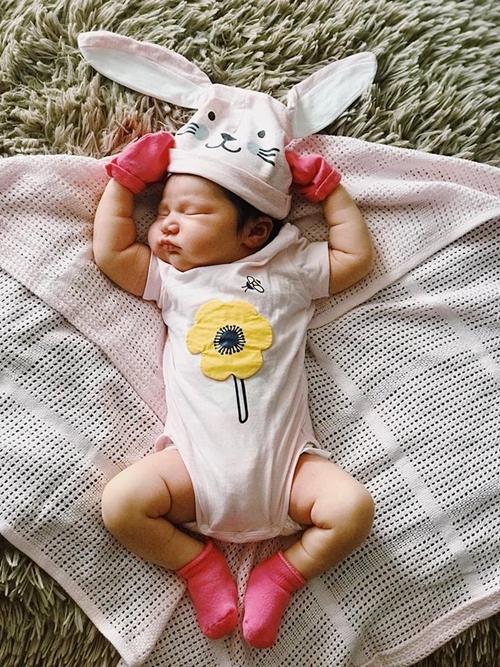 Con gái Hà Anh tên làMyla Vũ- Dowden, có tên gọi thân mật là Little Beat.