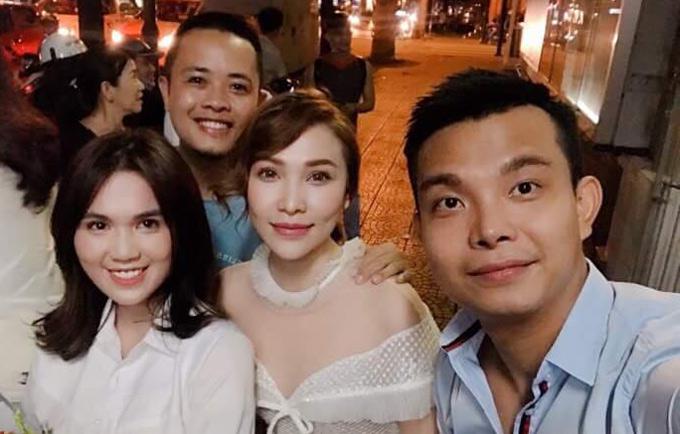 Nhà thiết kế Đỗ Long, nhiếp ảnh gia Lê Thiện Viễn và diễn viên Quỳnh Thư tới xem Ngọc Trinh thi học kỳ.