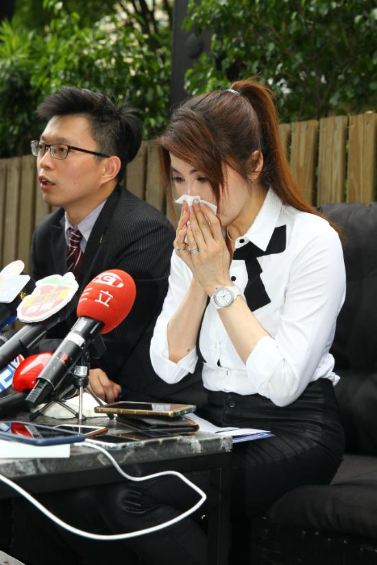 My nhan Ban linh Ky Hieu Lam bi ban trai doa tat axit tung anh nong