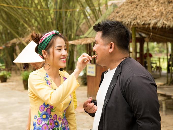 Puka va chong sap cuoi tay khong bat chuot dong o mien Tay