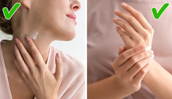 Chăm sóc da cổ và da tay