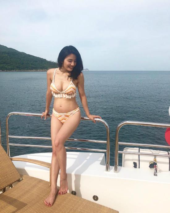 Chung Gia Han bung vuot mat Lam Thien Du gon nhu khong du bau 6 thang