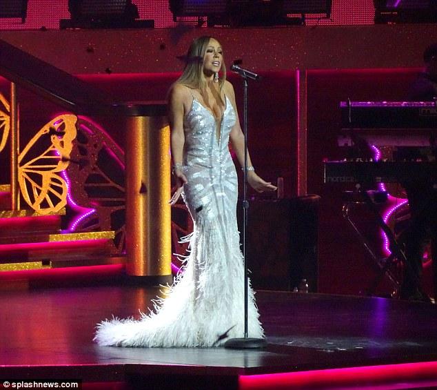 Mariah Carey trong đêm diễn 5/7.